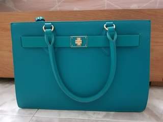 Samantha Vega Shoulder Bag / Handbag