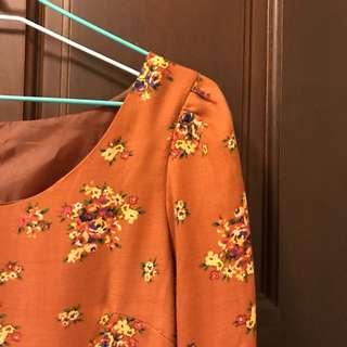 🚚 橘色碎花洋裝