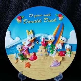 日本disney Store Donald Duck 浮雕碟 擺設