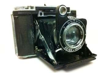 Zeiss Ikon : circa 1940-50s collectors item