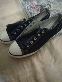 Original converse dark blue