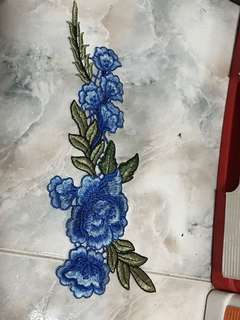 Sew on blue flower x2pcs (this is sew on and not iron on type)