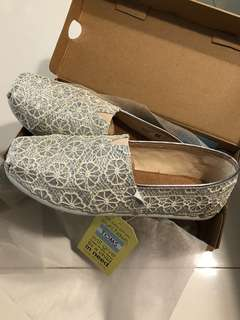 Authentic classic white glitter toms ladies shoe
