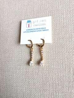Dangling earrings (design 1)
