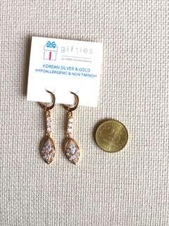 Dangling Earrings (design 3)