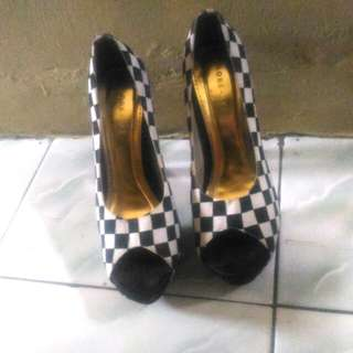Monochrome heels FREEONG