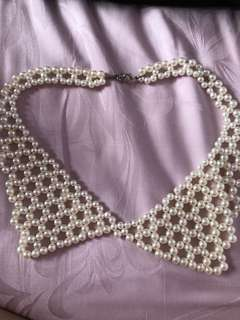 Pearl collared necklace