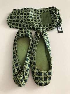 Banana republic slippers