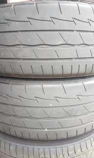 215/45/17 Bridgestone RE003