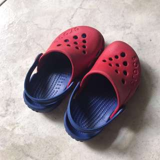 Crocs Size C6