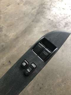 Toyota Hiace kdh200 power Window switch