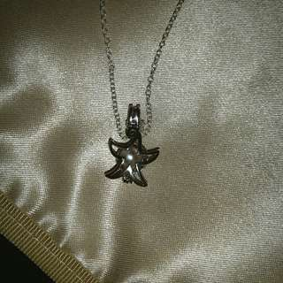 925 Sterling Silver Starfish Pendant With Freshwater Pearl And Chain
