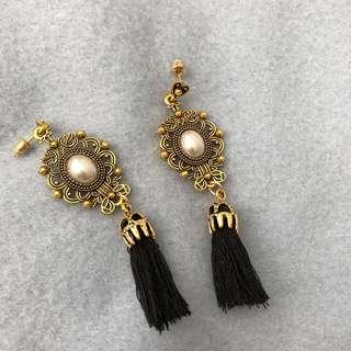 Classy elegant black tassels earrings