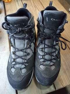 AKU 342 高性能中量防水登山鞋