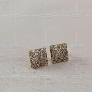 四方壓紋片耳環EA055 #mayflashsale