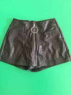 Berska Black pants bahan kulit