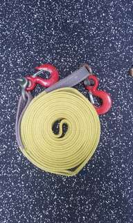 Heavy duty tow rope with shackles and hooks