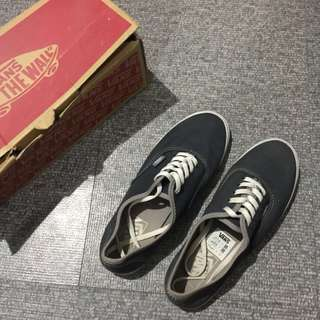 Vans - Authentic Lo Pro (Repriced)