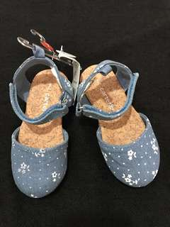 (size 7) BNWT Carter Denim Shoes