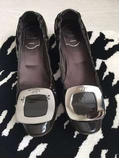 🎈Sale 95% New Roger Vivier Low Heels
