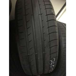 Pre-Owned Michelin 235/55/17 Tyre