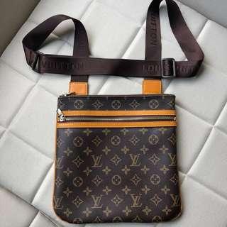 Louis Vuitton Bosphore Pochette Crossbody Bag