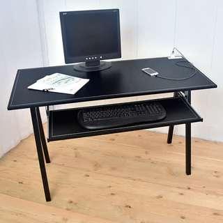 馬鞍皮革工作桌 電腦桌 書桌 120公分 (充電插座)