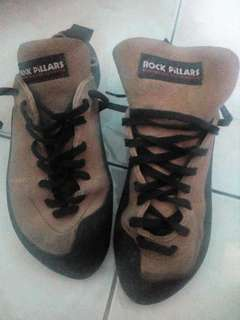 Rock shoes