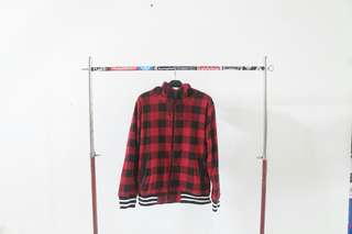 Jaket kotak kotak merah preloved/bekas/second