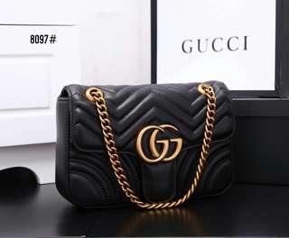 Gucci GG Marmont Matelasse Bag 8097#22  Bahan kulit  Dalaman kain tebal Kwalitas High Premium AAA Tas uk 25x6x17cm Berat dengan box 1 kg  Warna : -Babypink -Black -Red Include Box Gucci  Harga 700rb