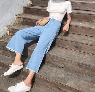[PO] Light Wash Bell Bottom High Waist Jeans