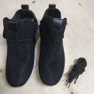 Black High Cut Sports Shoes