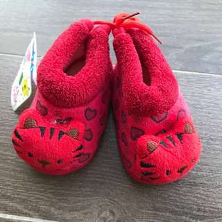 New baby prewalker shoes (red)