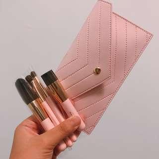 🚚 [全新]innisfree 限量 粉色4件刷具組(含刷具收納包)