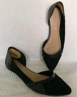 Aldo Shoes Black Pointy Leather Flats US 7 very good condition