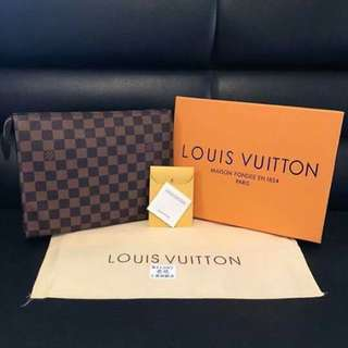 Authentic Louis Vuitton Pouch(Freeshipping)
