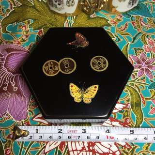 Vintage Hexagon Nesting Lacquer box