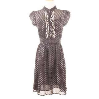 Polka Dot Buttoned Dress, atmosphere