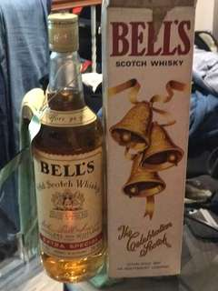 Bell's old scotch whiskey extra special 1980
