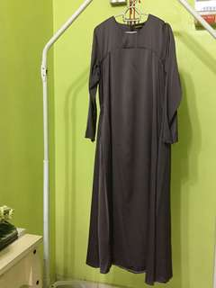 Jubah Basic Bella Ammara Grey