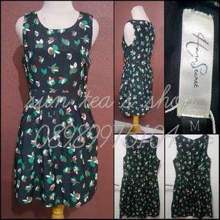 Black leaves patterned basic dress