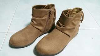 Brown suede boots for girls