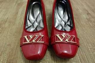 Sepatu Wedges Merah Kuliah Kerja
