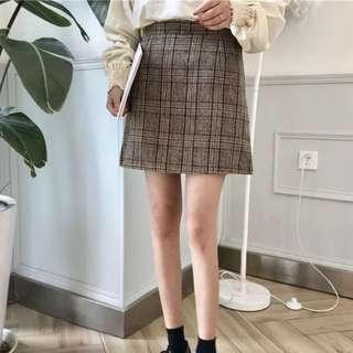 BNWT plaid/checkered skirt