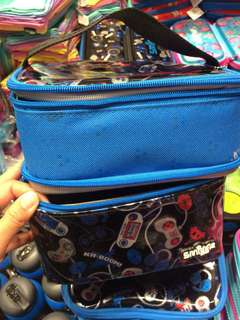 SMIGGLE: DUAL COMPARTMENT LUNCH BAG