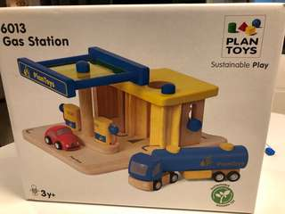 Wooden Toy Gas Station 6013