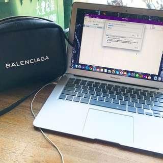 🚚 Macbook air 13TB(256GB)極新‼️