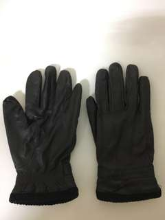 Wintertime winter leather gloves