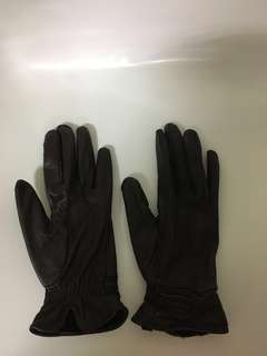 Wintertime winter leather glove
