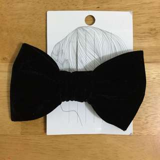 Forever 21 Black Velvet Hair Bow